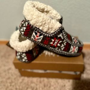 NWT-Lamo Wool-Lined Knit Moccasin Slippers
